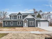 FOR SALE DOM-- NEWLY BUILT 4BED / 2BATH   4920 W 84th Pl , Burbank, IL 60459   CENA $399,800